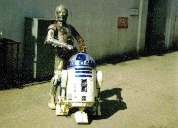 C-3PO & R2-D2, on the lot at Ealing Studios, April 2001. Photo courtesy of @ReedyP. Click for bigger.